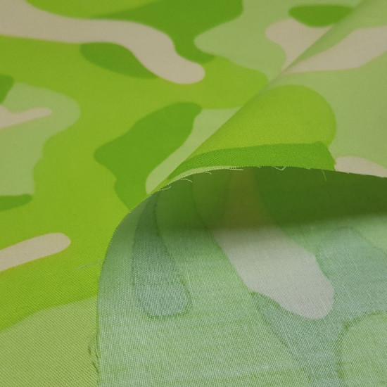 Tela Algodón Camuflaje Lima - Tela de algodón fuertecon dibujos de estilo camuflaje en tonos llamativos color lima, verde. La tela mide 150cm de ancho y su composición 100% algodón