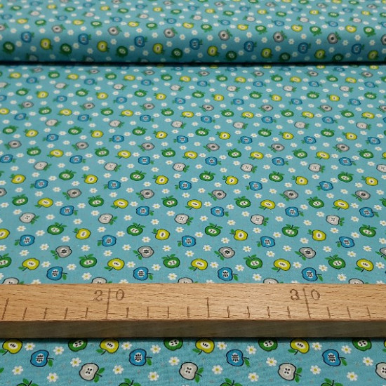 Cotton Apples & Daisies fabric -