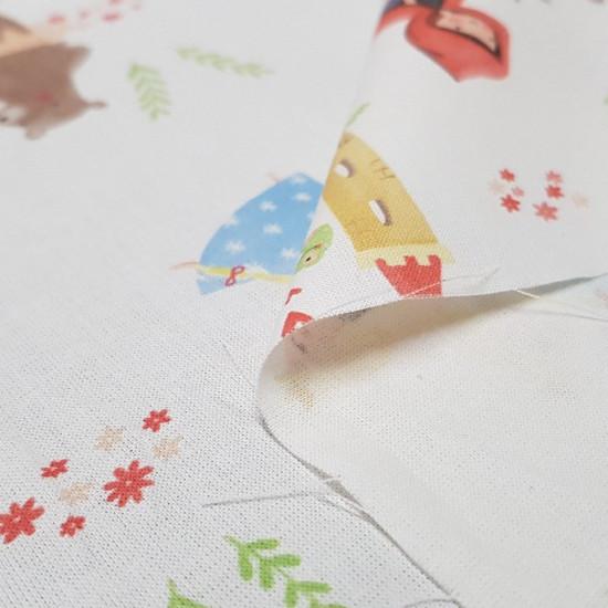 Tela Algodón Cuentos Infantiles - Tela de algodón con dibujos de personajes de famosos cuentos infantiles, como la caperucita roja, blancanieves, rapuntzel, ricitos de oro... sobre un fondo blanco. La tela mide 150cm de ancho y su composición 100% al