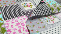 Cotton Patchwork Style fabric - Patchwork craft style cotton poplin fabric, varying floral patterns, stripes, polka dots ... The fabric is 150cm wide and its composition is 100% cotton.