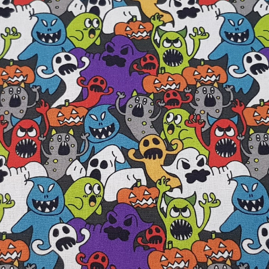 Tela Algodón Halloween Fantasmas y Calabazas - Tela de algodón con temática Halloween, con dibujos de fantasmas asustando de muchos colores y formas y también calabazas de Halloween terroríficas. La tela tiene una composición 100% algodón y mide 140cm de