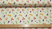 Cotton Vegetables fabric - American widthcotton fabric with drawings of vegetables such as tomatoes, carrots, onions... on a light background. This fabric is part of the Vegetable Patch collection by The Craft Cotton Company, designed by Vict