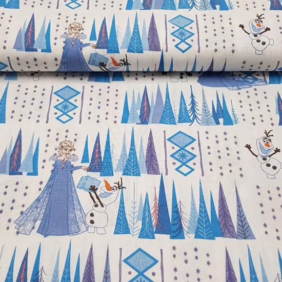 Tela Algodón Disney Frozen Bosque Nieve - Tela de algodón licencia Disney con dibujos de los personajes Elsa y Olaff de la película Frozen, con un fondo deárboles y copos de nieve en colores azules sobre un fondo blanco. La tela mide 140cm de ancho y su
