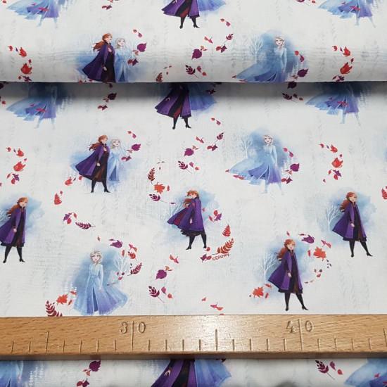 Tela Algodón Disney Frozen 2 Elsa Anna Hojas - Tela de algodón licencia Disney con dibujos de los personajes de la película Frozen 2, Elsa y Anna en el bosque sobre un fondo claro con hojas movidas por el viento. La tela mide 150cm de ancho y su composici