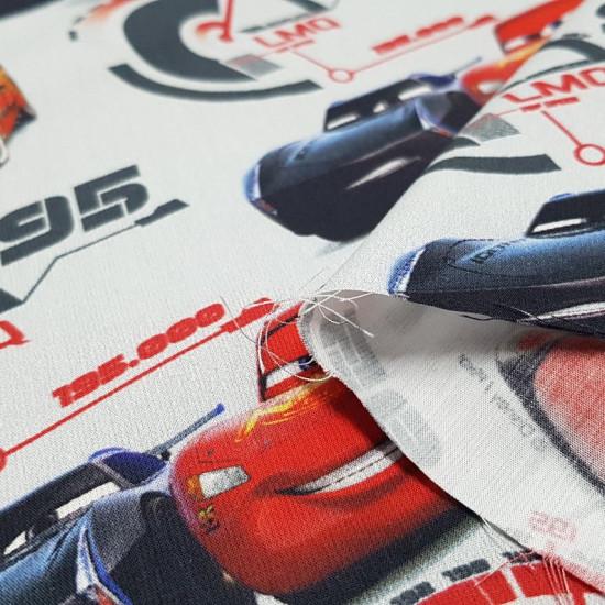 Tela Algodón Disney Cars Rayo y Jackson - Tela de algodón licencia Disney con dibujos de los personajes de la película Cars, RayoMcQueen y Jackson Storm enuna carrera. La tela mide 145cm de ancho y su composición 100% algodón.