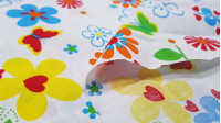 Cotton Hawaii Flowers fabric - Cotton fabric with large flower patterns in bright colors on various color backgrounds to choose from. The fabric is 150cm wide and its composition is 100% cotton.