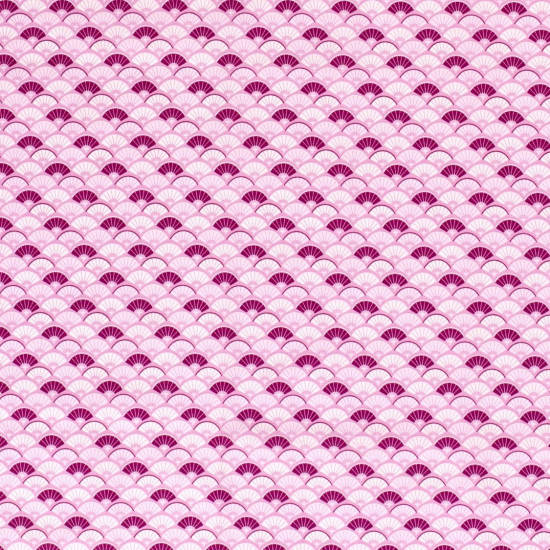 Cotton Japanese Fans fabric - Japanese style fan pattern cotton poplin in shades of pink and purple The fabric is 140cm wide and its composition is 100% cotton.