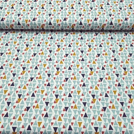Tela Algodón Triángulos Colores Dino - Original tejido de algodón con dibujos de triángulos de colores azules, verdes, dorados y rojo tejasobre un fondo blanco. Muy divertidopara tiendastipi y para combinar con la tela de dinosaurios divertidos. La tel