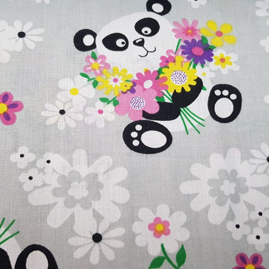 Cotton Panda Bears Flowers fabric - Children's cotton fabric with drawings of panda bears with bouquets, on a gray background with large white flowers. The fabric is 150cm wide and its composition 100% cotton.