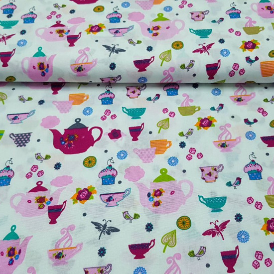 Cotton Teapots Fruits fabric - Patchwork fabric 100% Cotton with drawings of teapots and teacups, fruits, birds, sugar, cakes ... on a white background. The fabric is 150cm wide and its composition is 100% cotton.