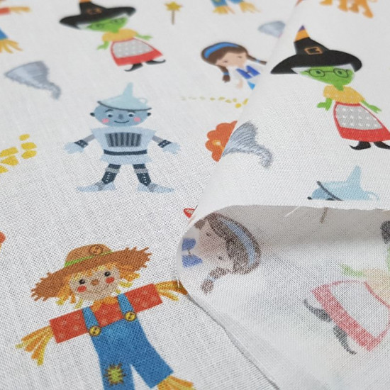 Cotton Wizard of Oz Tales fabric - Cotton fabric digital printing with drawings of the characters from the Wizard of Oz tale. The fabric is 140cm wide and its composition is 100% cotton.