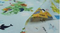 Tela Algodón Mapamundi Animales - Tela de algodón infantil impresión digital con dibujos de mapamundi con divertidos animales repartidos en el mapa. La tela mide 140cm de ancho y su composición 100% algodón.