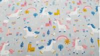 Tela Algodón Unicornios Castillos Gris - Tela de algodón con dibujos infantiles de unicornios, castillos, flores, nubes…en tonos de contraste sobre un fondo de color gris. La tela mide 140cm de ancho y su composición 100% algodón.