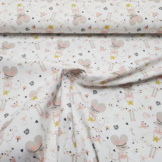 Tela Algodón Ratitas Bailarinas - Tela de algodón infantil con dibujos de ratitas bailando con tutú sobre un fondo con dibujos de estrellas, flores, corazones, diamantes… La tela mide 150cm de ancho y su composición 100% algodón.