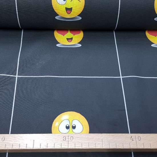 OUTLET Cotton Emoticons Checkered fabric - Cotton fabric with drawings of emoticons faces. Each painting measures approximately 19x19cm. Very fun fabric for decorations or making face masks. We can cut it in two ways: * Row of 8 squares with the same draw