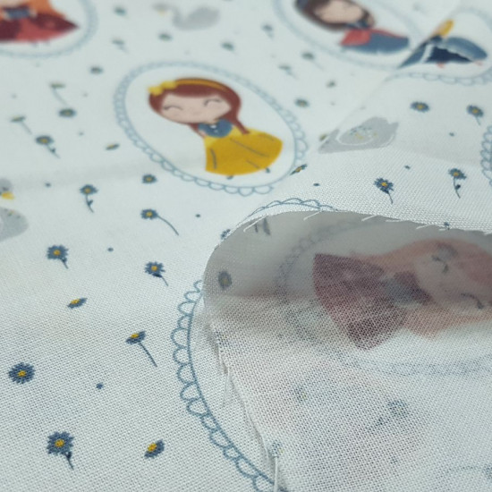 Cotton Princess Mirrors Fabby fabric - Organic cotton fabric (GOTS) with children's drawings of fairy tale princesses in mirrors on a background with swans and flowers. The fabric is 150cm wide and its composition is 100% cotton.