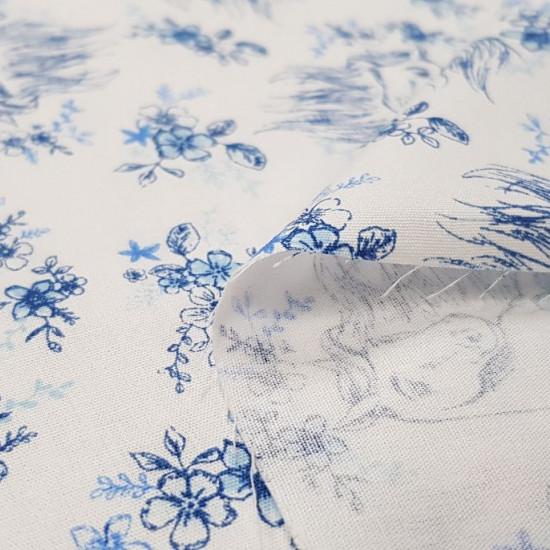 Tela Algodón Spirit Caballo Floral Blanco - Tela de algodón licencia Dreamworks con dibujos del caballo de la película Spirit adornado con flores sobre un fondo blanco. La tela mide 150cm de ancho y su composición 100% algodón.