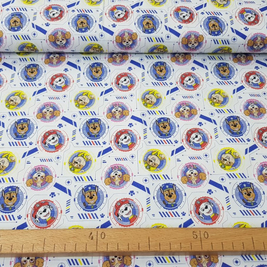 Cotton Paw Patrol Looking Out fabric - Licensed cotton fabric with drawings of the Paw Patrol characters, peeking out in circles on a white background with geometric shapes and footprints. The fabric is 150cm wide and its composition is 100% cotton.