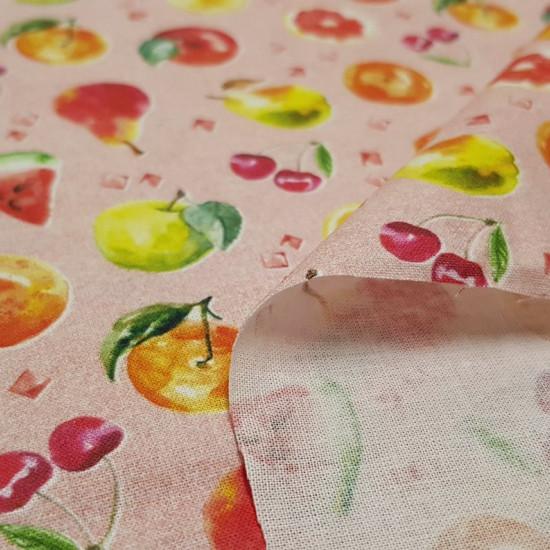 Tela Algodón Frutas Cubitos - Tela de algodón estampación digital con dibujos de frutas como cerezas, limones, sandías…sobre un fondo claro. La tela mide 150cm de ancho y su composición 100% algodón.