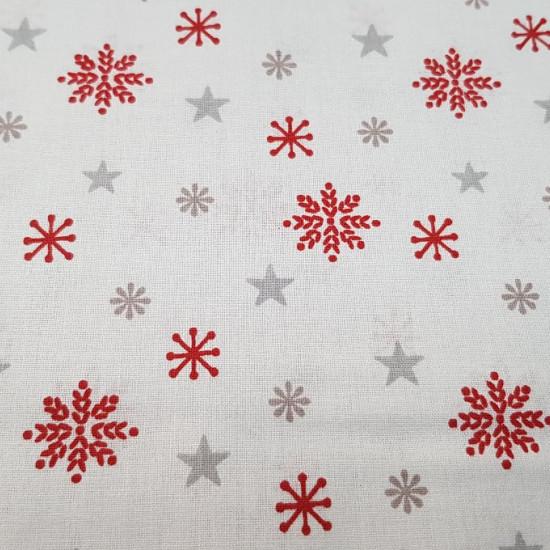 Tela Algodón Navidad Estrellas Hielo - Tela de algodón de temática navideña con dibujos de estrelas plateadas y copos de hielo en color rojo. Perfecta para decoraciones de navidad y otros complementos. La tela mide 150cm de ancho y su composición 100% alg