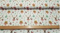 Tela Algodón Navidad Animales con Bufanda - Tela de algodón navideña con dibujos de osos y ciervos con bufanda de rayas blancas y rojas sobre un fondo blanco con dibujos de árboles de navidad, calcetines y otra decoración navideña. La tela mide 150cm de a