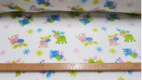 Tela OUTLET Polar Coralina Renos - Tela de polar tipo coralina infantil con dibujos de renos de varios colores (verde, azul, rosa) sobre fondo blanco. Perfecta para mantitas infantiles o decoraciones y complementos. La tela mide 150cm de ancho y su co