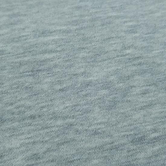 Tela Punto Sudadera Lisa - Tela de punto sudadera en colores lisos. Ideal para todo tipo de confecciones de otoño/invierno preferentemente. La tela cuenta con un suavefelpaen una de las caras, que la hace muy agradable al tacto.