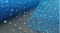 Tela Tul Gotas Brillantes - Tela de tul o red blanca con gotas laminadas brillantes que hacen efecto multicolor/tornasol. Es una tela perfecta para decoraciones y disfraces de hadas, princesas… La tela mide 140cm de ancho y su composición 100%