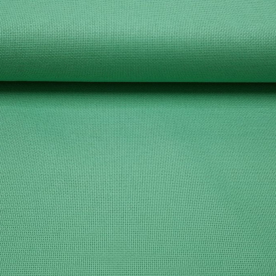 Panama Cross-Stitch fabric - Panama is a fabric with a regular weave that makes it ideal for making cross-stitch crafts, making tablecloths ... The fabric has 5.5 points / holes per centimeter, the equivalent of Aida 14.