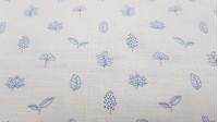 Tela Algodón Plantas Lino - Tela de algodón fina imitando al lino con dibujos de plantas y ramas de vegetación de color azul sobre un fondo blanco. La tela mide 150cm de ancho y su composición 100% algodón.