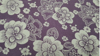 OUTLET Crepe Vintage White Flowers Lilac fabric - Fine vintage crepe fabric with drawings of white flowers on a lilac background. The fabric is 110cm wide. Cheap fabric outlet clearance