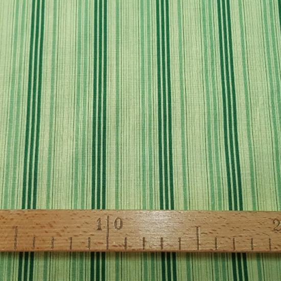 Tela OUTLET Rayas tonos verdes algodón - Tela fina de algodón con dibujos de rayas muy seguidas en diferentes tonos de color verde. La tela mide 80cm de ancho y su composición 100% algodón. Tela Barata Liquidación Outlet