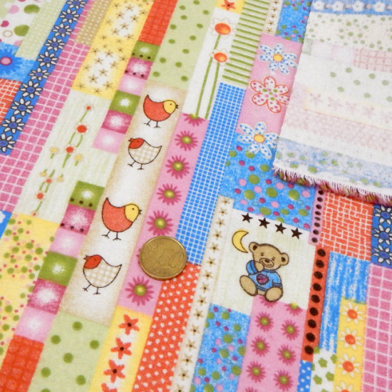 Flannel Bears Chickens fabric - Flannel fabric with drawings of bears, chicks and flowers. It is an ideal fabric for autumn / winter and you can make all kinds of household clothes (blankets, sheets, cribs ...)