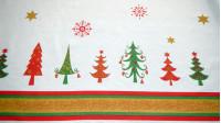 Tela Mantelería Navidad - Tejido ideal para mantelería con dibujos de abetos de navidad y estrellas sobre fondo blanco. Lleva una franja en los bordes del tejido
