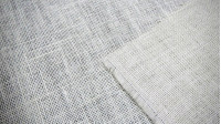 Color Jute fabric - Burlap is a fabric made with jute and is also known as sackcloth. Several colors to choose. Very appropriate to make crafts and decorate shop windows, in addition to being used to make bags and other type of gift wrapping.