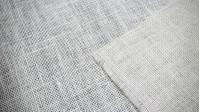 Tela Arpillera Color - La arpillera es un tejido hecho con yute y también es conocido como tela de saco. Varios colores a elegir. Muy apropiado para hacer manualidades y decorar escaparates, además de utilizarse para hacer sacos y otro tipo de