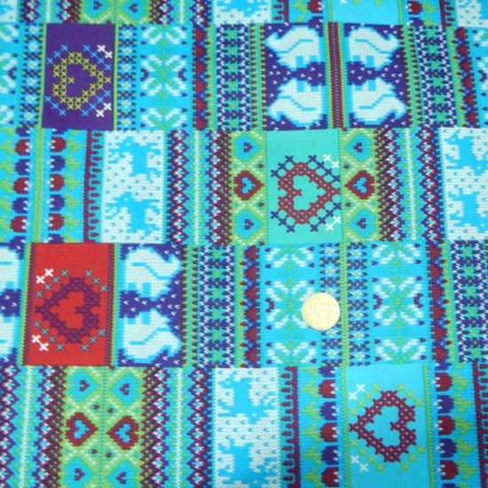 Tela Algodón Ardillas Corazones Azul - Tela de algodón con dibujos de ardillas, ciervos y corazones donde predominan los tonos azules, verdes y lilas. Tela ideal para manualidades patchwork.