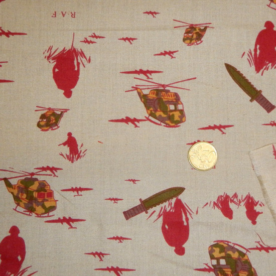 OUTLET Red Poplin Beige Bottom fabric - Poplin fabric printed with red military drawings on a beige background The fabric is 80cm wide and its composition 67% Polyester - 33% Cotton Fabric cheap clearance sale